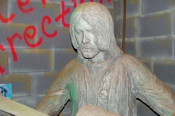 kurt-cobain-statue-articulo-2